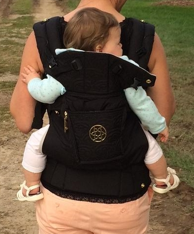 lillebaby complete embossed soft structured carrier