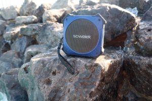 solar power waterproof speaker