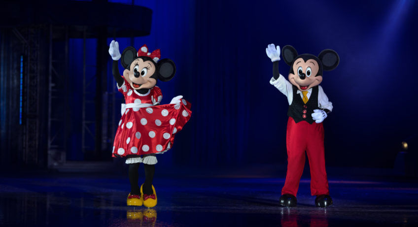 mickey and minnie disney on ice
